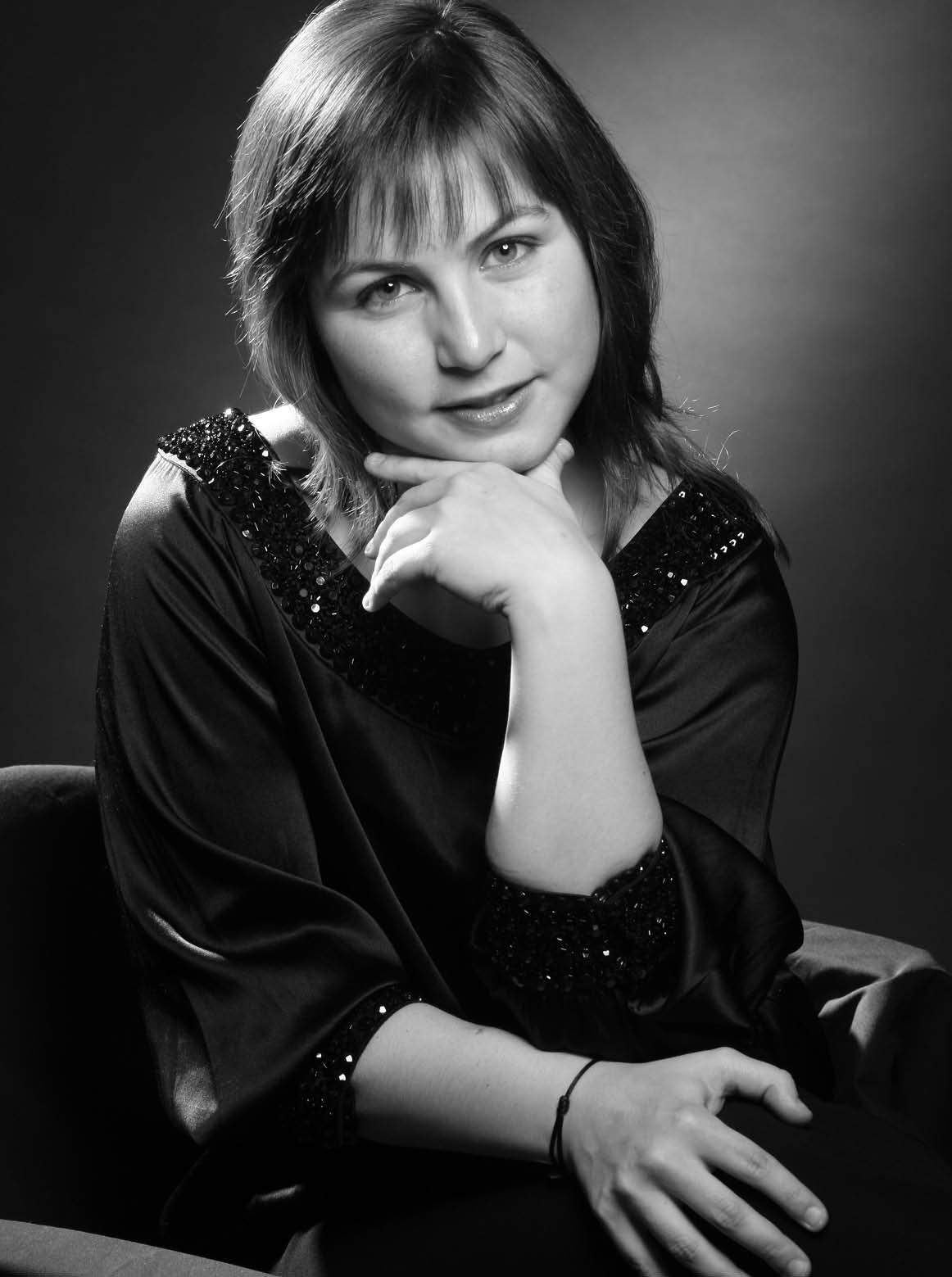 LAURA SIBELLA